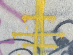 Strommast (gittermasttyp2008) Tags: strommast strommasten energie electricitytower energy powertower powerpole power pylon powerpylon powerline pole farbe collor erdseil graffitistrommast graffiti tunnel beton autobahn highway germany
