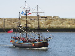Whitby (Ian Press Photography) Tags: north yorkshire yorks summer coast whitby bark endeavour river esk