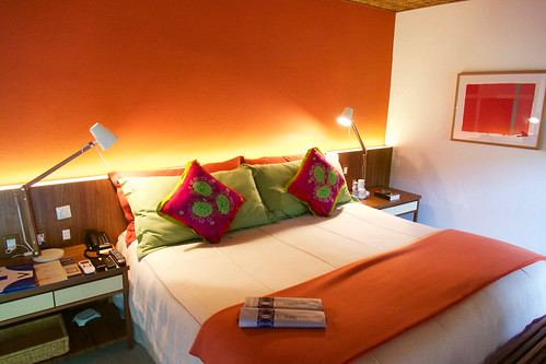 brazil-paraty-pousada-literaria-double-room-copyright-pura-aventura-thomas-power