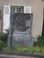 Boulevard Jules Ferry, Beaune - memorial for Edmond Bouley