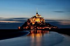 Heure bleue au Mont-Saint-Michel (jjcordier) Tags: heurebleue montsaintmichel normandie merveille mer île france reflet
