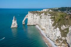 FALAISES D'ETRETAT (daumy) Tags: étretat normandie france fr arches falaise calcaire mer cote erosion bleu horizon paysage nature
