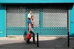 On the shoulders 103-2017 ( serie walkers ) (Kairos !) Tags: walker walkers walk walking city urban street streetwalk streetview streetphotography streetphotographer fujifilm fujixt20