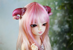 commissioned horns (Sparrow ♪) Tags: horns ram pearls beading beads pink hot magenta msd minifee luka
