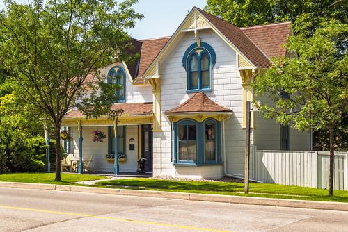 Village chic - Streetsville