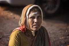 MAHAAKUTA : PORTRAIT DE FEMME (pierre.arnoldi) Tags: inde india pierrearnoldi mahaakuta badami karnataka portraitdefemme portraitsderue photooriginale photoderue photocouleur
