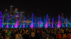 Dancing fountains (elenaleong) Tags: marinabay spectralightshow dancingwaterfountains lightandmusicshow watershow promenade marinabaysands laserandlights crowd elenaleong singaporeattraction