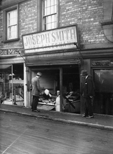 Joseph Smith, fishmonger, 60 High Street (before reconstruction) – early 1920s