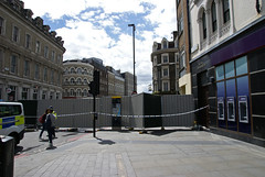 Near Borough Market (ChiralJon) Tags: london incident investigations borough pub street лондон 倫敦 londen 런던 londres londra londyn 伦敦 ロンドン terror attack market attaque terreur attacke attacco terrore aanval новости nachrichten haber aktualności news