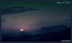 Variazione in blu sull'ultimo tramonto di Agosto 2016 (agostinodascoli) Tags: tramonto sunset paesaggi nature nikon nikkor cianciana sicilia cielo sole monti creative