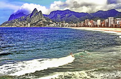 Dream Destination: Rio de Janeiro, Ipanema Beach (gerard eder) Tags: world travel reise viajes landscape landschaft paisajes natur nature naturaleza america américa southamerica südamerika sudamérica sudamerica brasil brazil brasilien rio riodejaneiro ipanema beach strand playa city ciudades cityscape cityview outdoor mountains montañas gebirge berge wasser water panorama