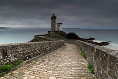 LE PHARE DU PETIT MINOU (FINISTERE), un endroit spendide ! (brijjour) Tags: bretagne raw panorama poselongue phare ciel mer extérieur pierres finistere