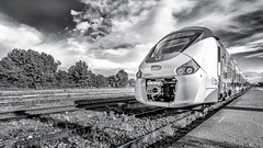En arrivant | Incoming... (.: mike | MKvip Beauty :.) Tags: sony⍺7markii sony⍺7ii sonyilce7m2 sonyalpha sony alpha emount ⍺7ii ilce7m2 primelens prime manualexposure manual samyang14mmƒ28ifedumca samyang 14mm walimexpro14mmƒ28ifedu walimexpro ultrawideangle handheld ibis availablelight naturallight spring sky clouds railway track train sncf monochrome monochrom blackwhite blackandwhite bw blancetnoir schwarzweis sw lauterbourg france europe mth mkvip samyang14mmƒ28ifedumcas walimexpro14mmƒ28ifedumcas