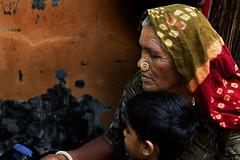 Nakhatrana. Gujarat. India. (Tito Dalmau) Tags: street portrait woman nakhatraha kutch gujarat india