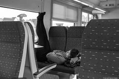 Wagon-couchette / Sleeping-car (misterblue66) Tags: wagoncouchette sleepingcar train brainelecomte dormir dormeuse sleeper sleeping noiretblanc nb bn bw 1100d