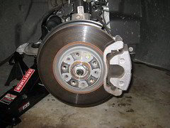 2015-2017 Chrysler 200 Front Disc Brakes - Rotor, Bracket, Caliper - Changing Front Brake Pads (paul79uf) Tags: 2015 2016 2017 chrysler 200 front disc brake pads change changing replace replacing replacement guide how diy tutorial instructions steps part number como hacer cambiar frenos numero de parte rotor bracket caliper piston clamp fluid type spec specifications torque bolt