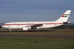 A6-SHZ GLA 16-7-2000 (Plane Buddy) Tags: a6shz airbus a300 uae abudhabi amiri glasgow egpf