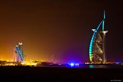 Burj Al Arab, Jumeirah, Dubai (Rita Eberle-Wessner) Tags: dubai vae emirates burjalarab city stadt jumeirah nacht night skyline hotel sea meer ozean ovean küste coast strand beach colourful uae