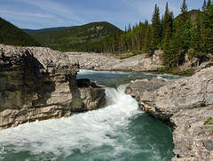 Elbow Falls, Kananaskis (annkelliott) Tags: alberta canada wofcalgary kananaskis kcountry rockymountains canadianrockies elbowfallstrail highway66 elbowfalls nature river elbowriver water falls waterfall rocks mountains trees forest landscape scenery peaceful relaxing recreation outdoor spring 7june2017 fz200 fz2004 annkelliott anneelliott ©anneelliott2017 ©allrightsreserved