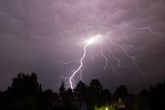 Blitzeinschlag in Ahrensburg (Lilongwe2007) Tags: ahrensburg schleswig holstein gewitter nacht blitze unwetter wetter sturm naheinschlag