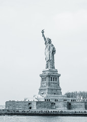 The Statue of Liberty On Liberty Island, New York (Peter Greenway) Tags: iconiclandmark freedom libertyisland flickr unitedstatesofamerica statue monument newyorkharbour statueofliberty landmark