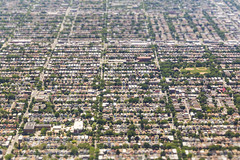 20170625_F0001: Houses... (wfxue) Tags: chicago houses roads cars grid blocks trees parks city residential windowsit plane passengerplane passengerjet aerial tiltshift diorama miniature landscape