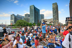 Crowds on the Dock (Jemlnlx) Tags: canon eos 5d mark iv 4 5d4 5div new york city ny nyc queens borough long island east river fireworks firecrackers 4th fourth july 2017 macys macy display skyline empire state building esb