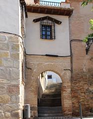 Tolède (hans pohl) Tags: espagne castillelamanche toledo cities villes rues streets stairways escaliers fenêtres windows architecture arcs