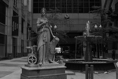 Downtown Chicago - 09 Jul 2017 - 7D II - 008 copy (Andre's Street Photography) Tags: chicago cme boardoftrade plaza public square sculptures fountain outdoor art greek goddess artdeco building architecture loop downtown chitown innercity urban scenery cityscape urbanscenery financialdistrict bw bwphotography zwartwit schwarzweiss noiretblanc blancoynegro fotografiaurbana urbanphotography ilinois aroundillinois enjoyillinois chicagoist chicagomagazine chicagojournal chicagotribune chicagoistphotos fineart photobyandrevanvegten canon eos eos7dii