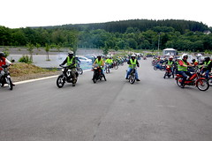 IMG_9347 (Christophe BAY) Tags: mobyltettes francorchamps 2017 rétromobile club spa circuit moto vespa camino flandria