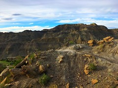 rocky hike (ekelly80) Tags: montana makoshikastatepark june2017 summer roadtrip keisgoesusa badlands glendive geology scenery hike trail rocks colors layers rockformations mountains hills view sky valley