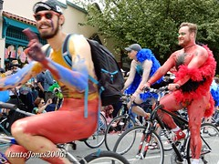 DSCN2138 (IantoJones2006) Tags: fremont solstice cyclists 2017 naked bike seattle parade nude painted body paint bicycle