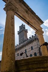 DSC_0560.jpg (saladino85) Tags: sunshine landscape sunset palazzocomunale italy clock holiday piazzagrande rays tuscana tuscany scenery travel tower sunsrays sunlight tourists montepulciano hills white