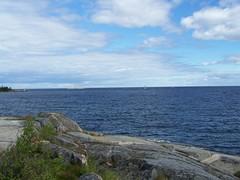 Ålands hav från Näskubben (tompa2) Tags: simpnäs uppland sverige ålandshav vatten hav fyr strand