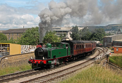 No. 1704 'Nunlow' at Keighley (TomNoble7) Tags: kwvr hudswellclarke 1704 nunlow oxenhope keighley