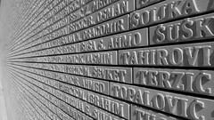 Sarajevo (borneirana) Tags: sarajevo croacia gedänkmauer muro wall guerra war víctimas victims historia hystory
