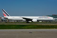 F-GZNG (Air France) (Steelhead 2010) Tags: airfrance boeing b777300er b777 yyz freg fgzng