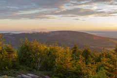 Acadia National Park - Cadillac Mountain Sunset 21 (raelala) Tags: justmainethings2017 acadianationalpark barharbor cadillacmountain canon1755mm canon7d canoneos7d findyourpark goexplore goldenhour maine memorialdayweekend memorialdayweekend2017 mountdesertisland mtdesertisland nationalpark newengland photographybyrachelgreene roadtrip scenicoverlook sunset thatlalagirl thatlalagirlphotography thatlalagirlcom travel usnationalparks