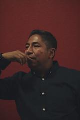 Las masas (Emman Diaz) Tags: portrait retrato mexico méxico red perfil pensando boton t4i