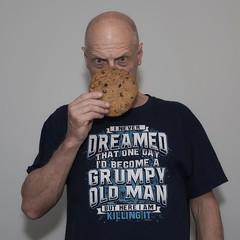 B I G  Chocolate Chip Cookie & a New T-Shirt (Oliver Leveritt) Tags: nikond610 afsnikkor2470mmf28ged oliverleverittphotography sb800 flash speedlight abetterbouncecard cookie tshirt grumpyoldman chocolatechipcookie