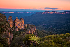 Jamison Valley - Three Sisters - Sunset (radio4) Tags: threesisters bluemountains jamisonvalley sunset nsw australia