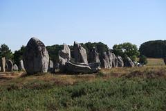 101 Carnac - Alignements de Kermario (Photos et Voyages) Tags: carnac morbihan bretagne alignements kermario menhir