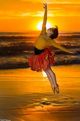 Dancing in the Light - Steffi Carter (Kent Freeman) Tags: steffi carter urban ballet canon eos 5d mark iii ef 85mm f18 usm oceanside california sunset sun set flashpoint streaklight 360 godox