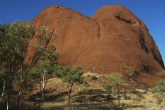 Kata Tjuta Pictures 391 RS (Swebbatron) Tags: fujif20 katatjuta northernterritory australia theolgas valleyofthewinds 2008 radlab lifeofswebb travel redcentre groovygrape