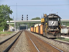 NS Chicago Line / M.O.W. (codeeightythree) Tags: ns norfolksouthernrailroad norfolksouthernchicagoline norfolksouthern mow maintenanceofway trackmaintenance gondolas sd402 standardcab mainline signals laporteindiana mp463