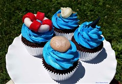 Beach Theme Cupcakes (TheBakeryFairy♥) Tags: cupcakes thebakeryfairy thebakeryfairycom buttercream buttercreamcupcakes gumpaste gum paste