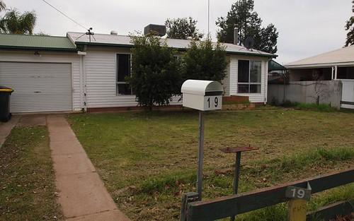 19 Melbourne Street, Narrandera NSW