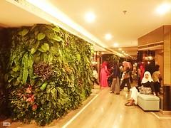 Ruang Tunggu (Detta Priyandika) Tags: surabaya tunjungan plaza muslim mushola islam shopping mall pusat kota prayer room