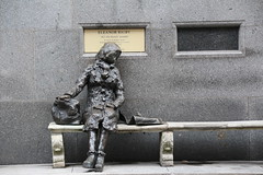 Liverpool 2017_Eleanor Rigby (Barrytaxi) Tags: liverpool statue bronze