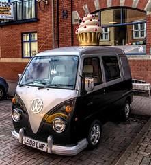 Vincent Van Scoff (Jon_Wales) Tags: fake vw van cardiff cake muffin cupcake wales welsh